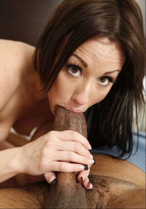 Black dude with giant love tool screws white MILF Jennifer White in bedroom